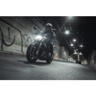 Zero Motorcycles SR/F Model 2019 190Nm 200km/h up to 259km range